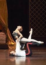 Photo: Wiener Staatsballett: MAYERLING (29.11.2014), Roman Lazik, Irina Tsymbal. Foto: Wiener Staatsoper/ Nichel Pöhn