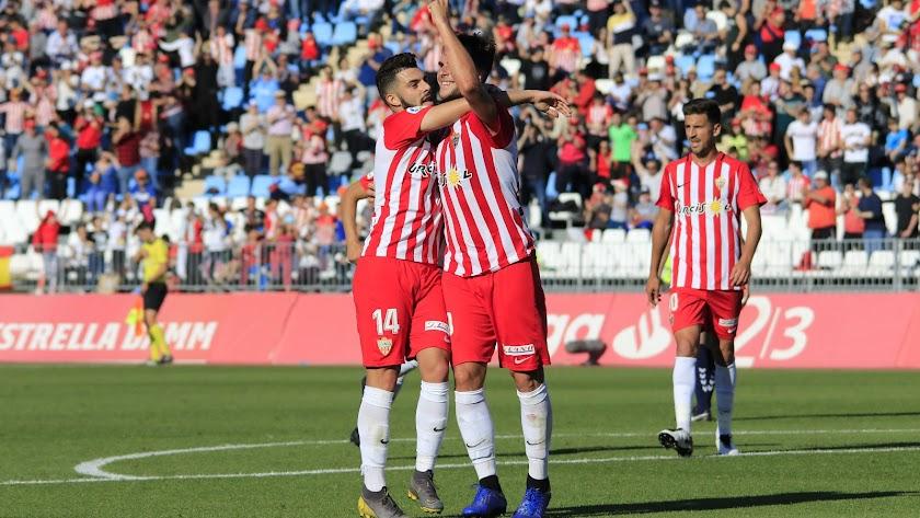 Álvaro Giménez celebra su primer gol ante el Nástic.