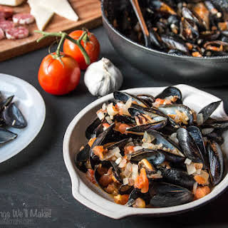 Steamed Mussels With Tomato Sauce.