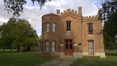 Photo: Courthouse Calvert