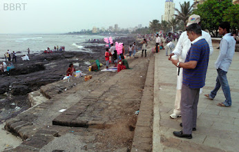 Photo: 2014 - Hawkers on Promenade - Bhutta wala