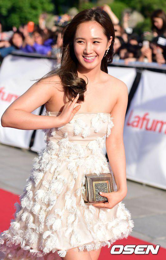 yuri gown 38