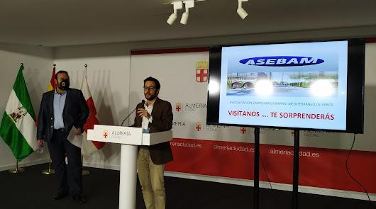 Carlos Sánchez y Jesús Ibáñez durante la presentación de la campaña