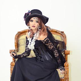 Sitting by Muhammad Fairuz Samsubaha - People Portraits of Women ( model, anat, beauty, women, portrait, photography )