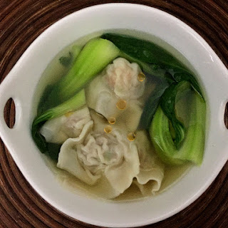 Shrimp and Pork Wonton Soup (鮮蝦餛飩 Xiān xiā húntún)