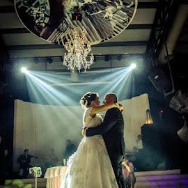 SofiaCamplioni.Com (5774) by Sofia Camplioni - Wedding Old - Dancing