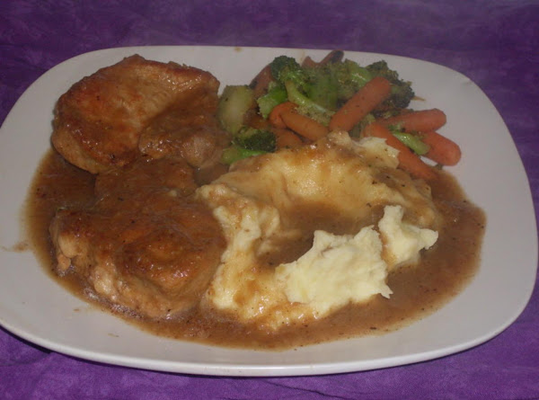 Obie Green's Smothered Pork Chops Recipe