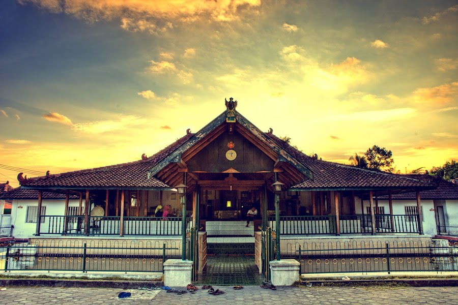 Masjid Sulthoni by Kharisma Putra - Buildings & Architecture Places of Worship ( hdr, sunset, mosque, madjid, goldie )