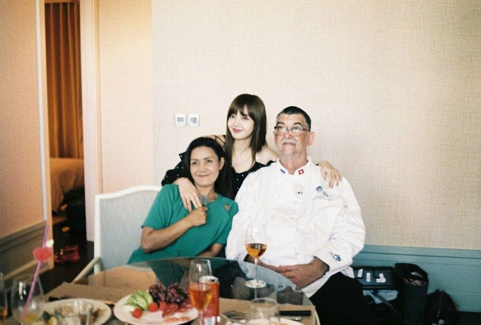 lisa and parents