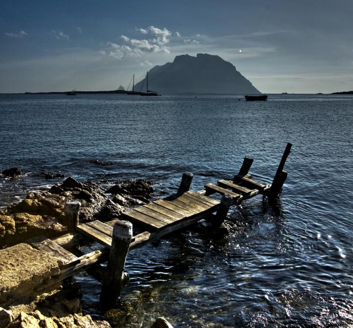 Porto S.Paolo:vecchio molo per Tavolara di bondell
