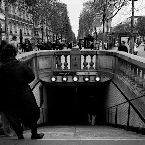 To the Underground by Ibrahim Johan - City,  Street & Park  Street Scenes ( paris, b&w, street )