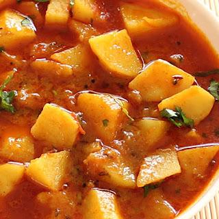 Batata Nu Shaak (Gujarati Style Potato Sabzi).