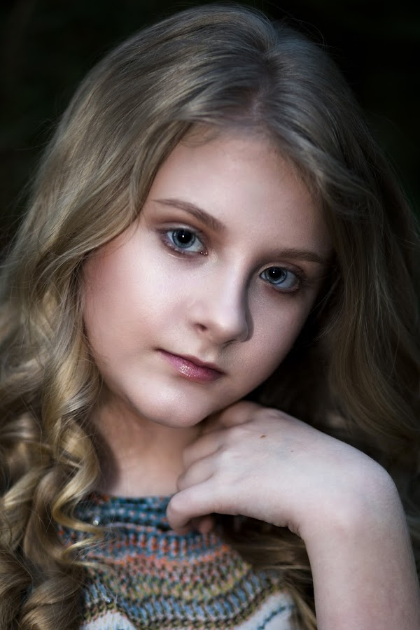 Holly by Sabrina Causey - Babies & Children Child Portraits ( face, girl, beauty, natural, young, portrait,  )