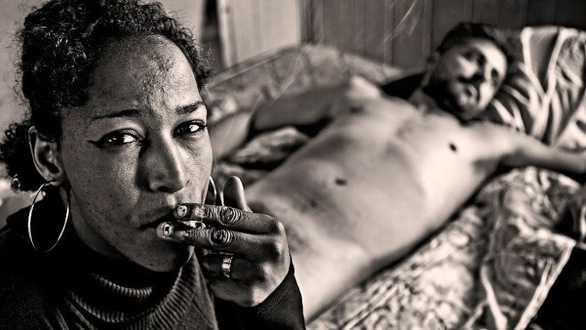 Rostros y cuerpos al desnudo en 'Prostitución'.