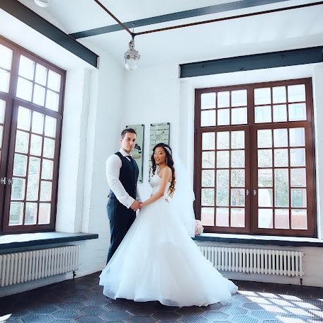 Wedding photographer Aleksey Sychev (Absfoto). Photo of 09.12.2017