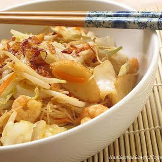 Fried Hokkian Mee Hoon (Rice Vermicelli).
