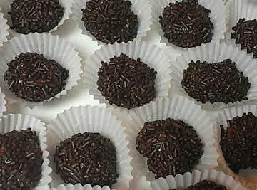 Chocolate Truffles (Brigadeiro)