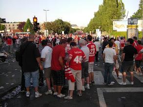Photo: .... waar de fans van Standaard Luik alvast 'hun feestje' vieren