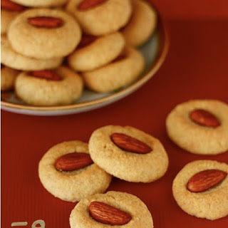 Chinese New Year Almond Cookies.