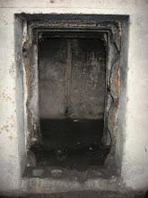 Photo: Wnętrze jest suche. Nie zaobserwowaliśmy błota czy wody. Meneli również brak.