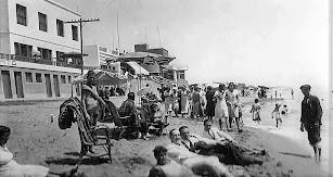 La playa de El Zapillo en la zona conocida como Villa Pepita en los años 30.