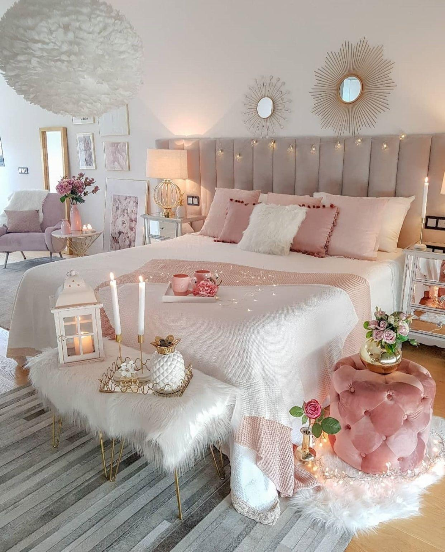 Đồ nội thất màu trắng hồng