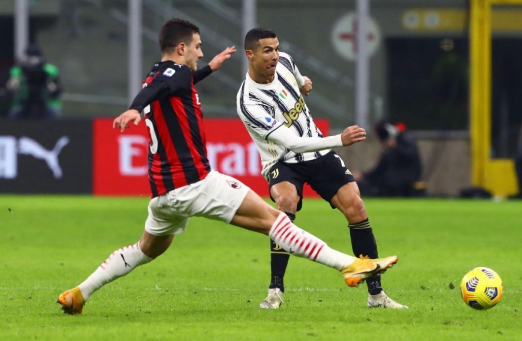 Juventus đã đánh bại AC Milan 3-1 ở trận lượt đi trên sân San Siro