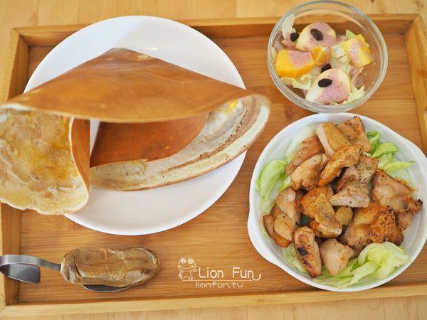 Relax Brunch-輕鬆點~份量超大的早午餐與排餐,以薄餅作為餐點搭配,另有扭蛋兒童餐!!台南火車站|光華中學 邦 ::