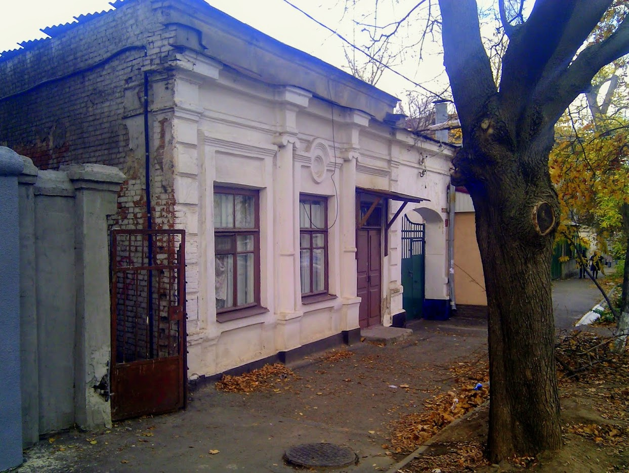 https://sites.google.com/site/istoriceskijtaganrog/gogolevskij-pereulok/klubnyj-6