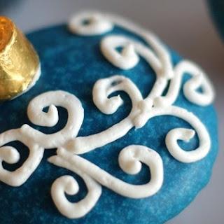 Snickerdoodle Cupcakes With Vanilla Glaze.