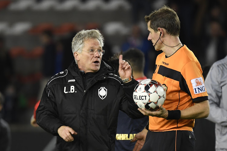 """Laszlo Bölöni remercie la Pro League: """"Un très beau cadeau"""""""
