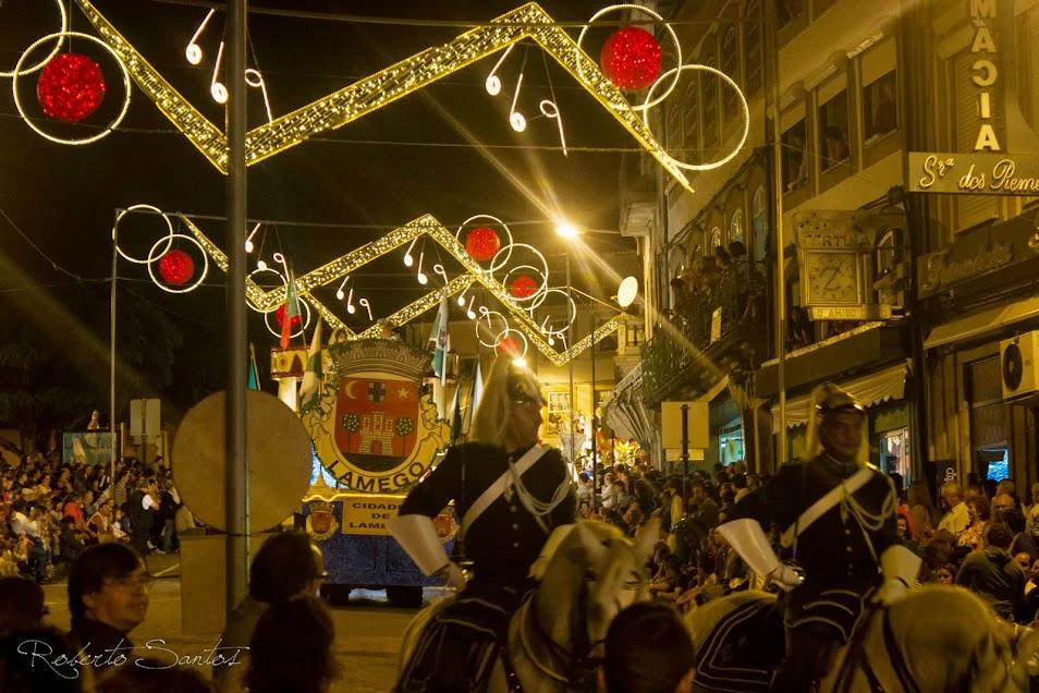 Fotografias da Marcha Luminosa e Batalha das Flores - Lamego - 2013