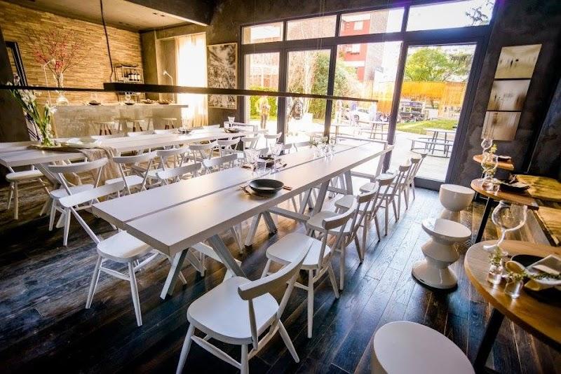 Casa FOA 2017: Cafetería by Patagonia Flooring - Monica Ini - Luciana Duek - Michelle Bulach