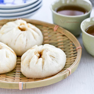 Char Siu Bao (Steamed Barbecue Pork Buns)