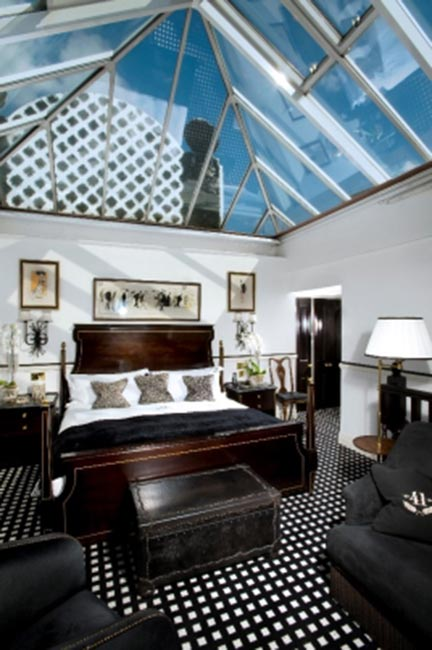 The Conservatory Suite at 41.