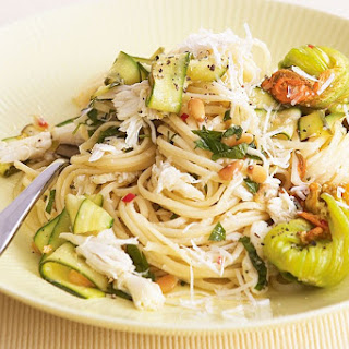 Linguine With Crab And Zucchini Flowers