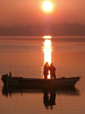 """""""Seguitemi vi farò pescatori di uomini"""" dal Vangelo di Gesù Cristo secondo Matteo 4,18-22. di Renato Teodori"""
