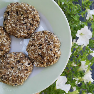 Simple 2-ingredient Chia Cookies.