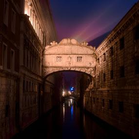 Bridge of Sighs by Marjan Gresl - Buildings & Architecture Public & Historical ( venezia, bridge of sighs, casanova, night, bridge )