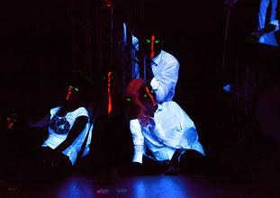 Photo: BURGTHEATER/ Kasino: DOSENFLEISCH von Ferdinand Schmalz. Premiere 18.9.2015. Inszenierung: Carina Riedl.  Copyright: Barbara Zeininger