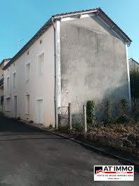 maison à Salles-Lavalette (16)