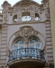 Photo: Casa Ortega. Gran Via Marques del Túria . Valencia http://www.viajesenfamilia.it/