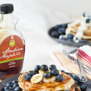 Low-Fat Vanilla Yogurt Pancakes