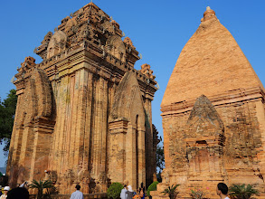 Photo: VIETNAM Nha trang - pagode de Long son (Sony)