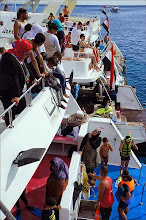 Photo: Прогулка на яхте. На месте заплыва с различных яхт. Мусульманская яхта.