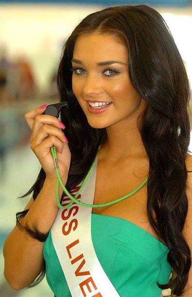 English Model Amy Jackson