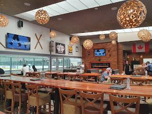 Restaurante - Cabin 401 Bar & Grill