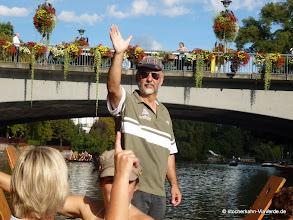 Photo: Der Chef ergreift das Wort ... auf die Brücke aufpassen ;-)