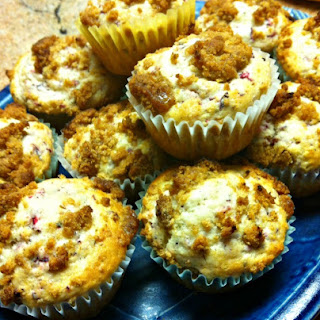 Cranberry Muffins with Cinnamon Brown Sugar Streusel Topping.