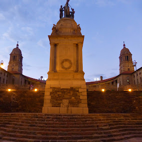 Union Buildings by Jason C Robinson - Buildings & Architecture Public & Historical ( africa, pretora, dusk, buildings, union )